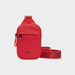 Nike Sportswear Essentials